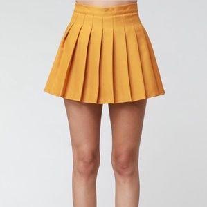 Dresses & Skirts - Pleated Skirt NWT
